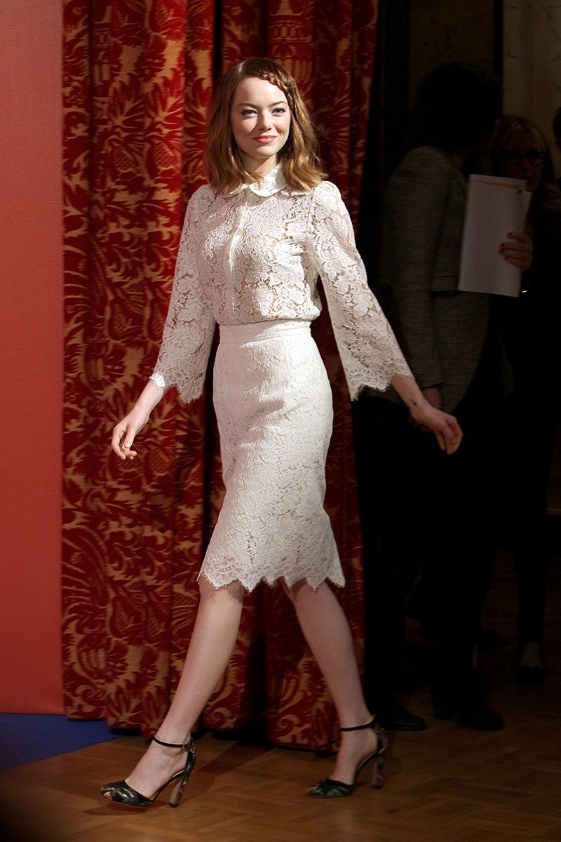 Who emma stone what dolce u gabbana top and skirt valentino shoes