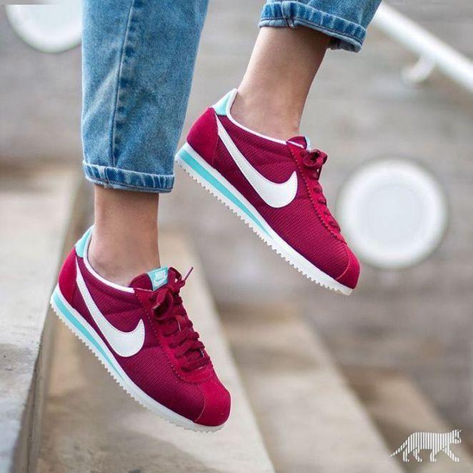 Tendance Basket 2017 Sneakers femme Nike Cortez Noble Red  (asphaltgold sneakerstore) 93d733b3d5d3