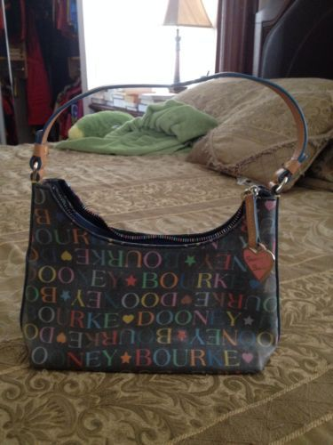 Stunning Dooney & Bourke Black Signature Bag