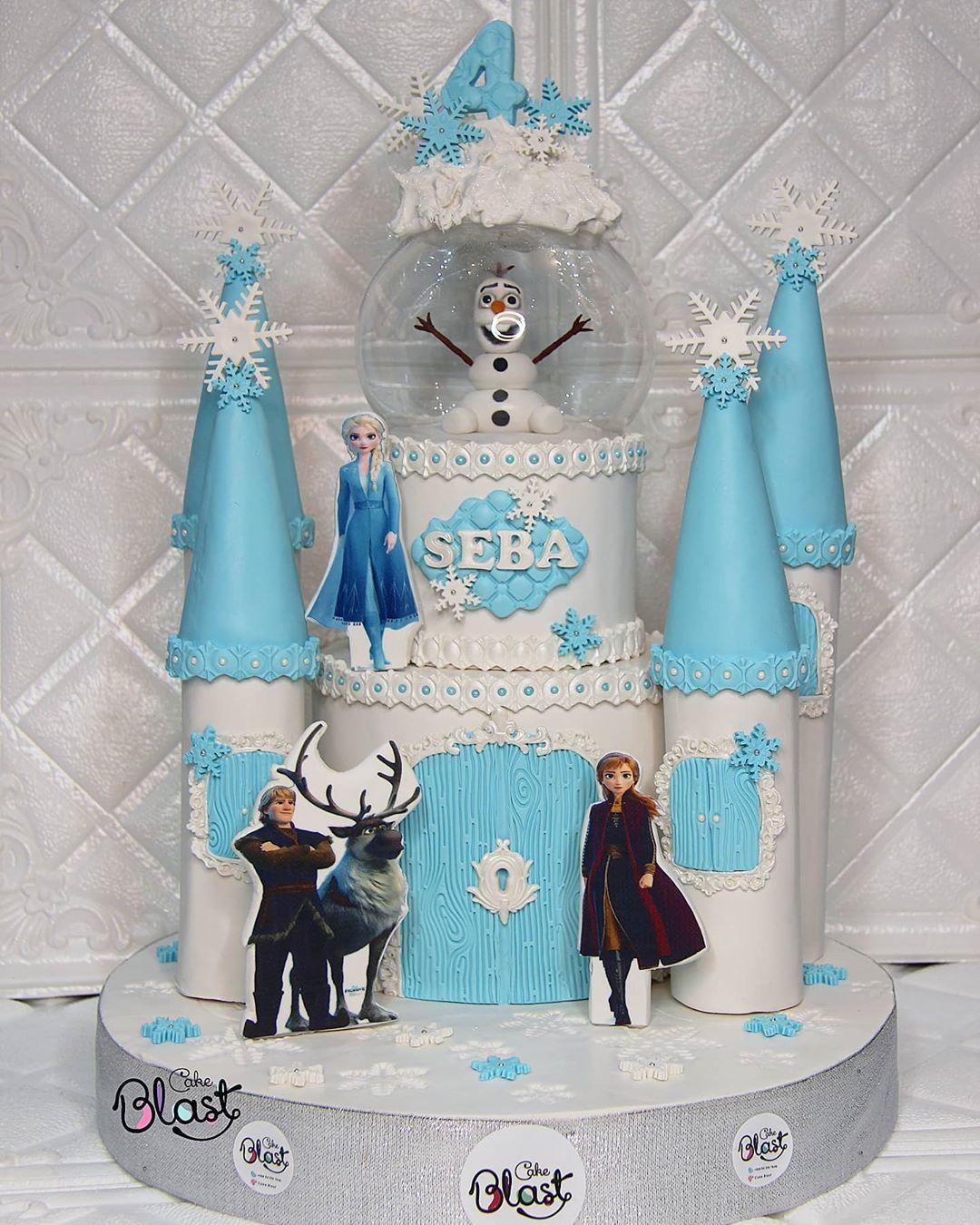 كيكة القصر ثيم فروزن ألف عافيه على أصحابها مجسم شخصية أولاف مصنوع بالكامل من عجينة السكر Frozen Castle T In 2020 Diaper Cake Children Diaper