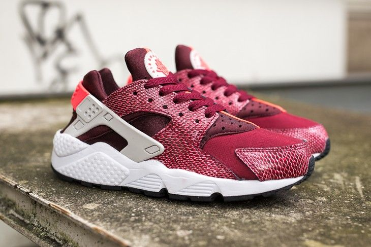 Basket Nike Air Huarache burgundy | Nike air huarache