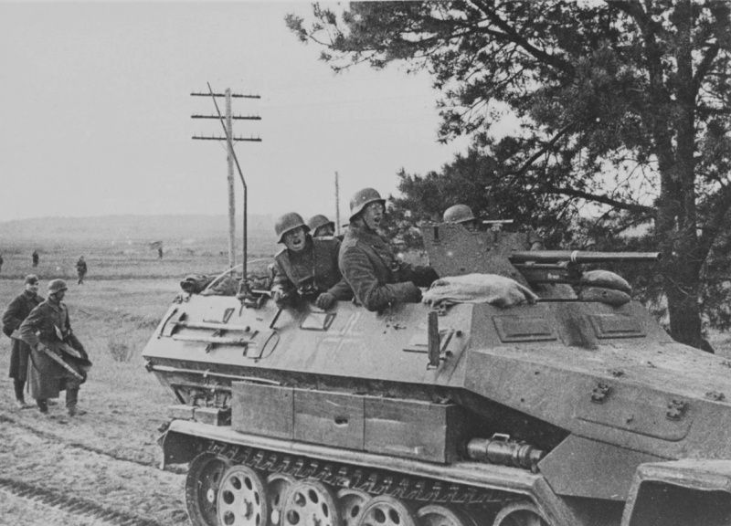 Armored Personnel Carrier Sd.Kfz. 251/10 Ausf. A 37-mm gun PaK 35/36 113th motorized regiment of the Wehrmacht