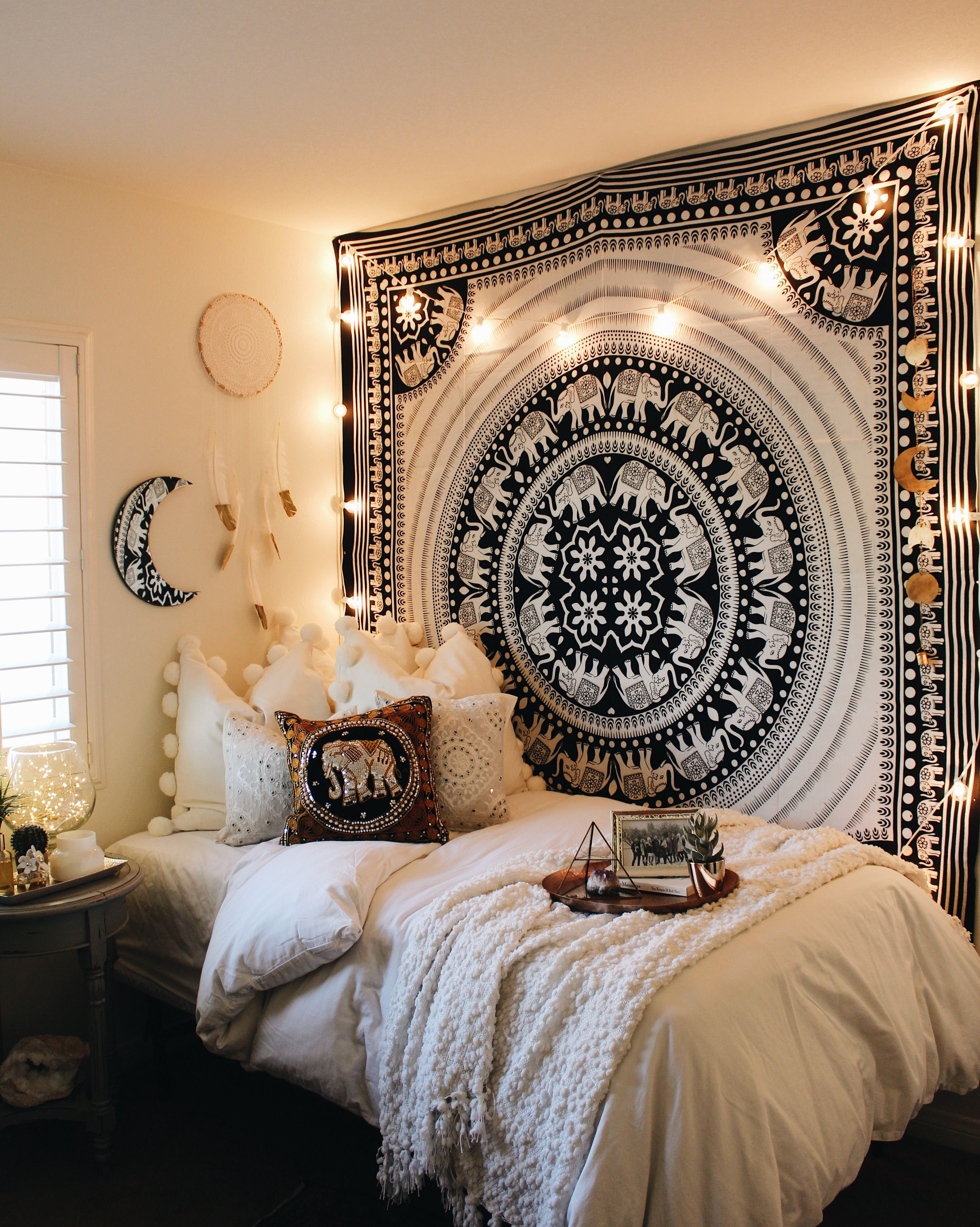 black white elephant parade mandala tapestry room bedrooms and shopping. Black Bedroom Furniture Sets. Home Design Ideas