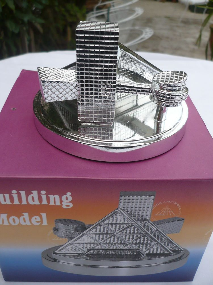 Metal Souvenir Building of Rock And Roll Hall Of Fame Cleveland  (New in Box)