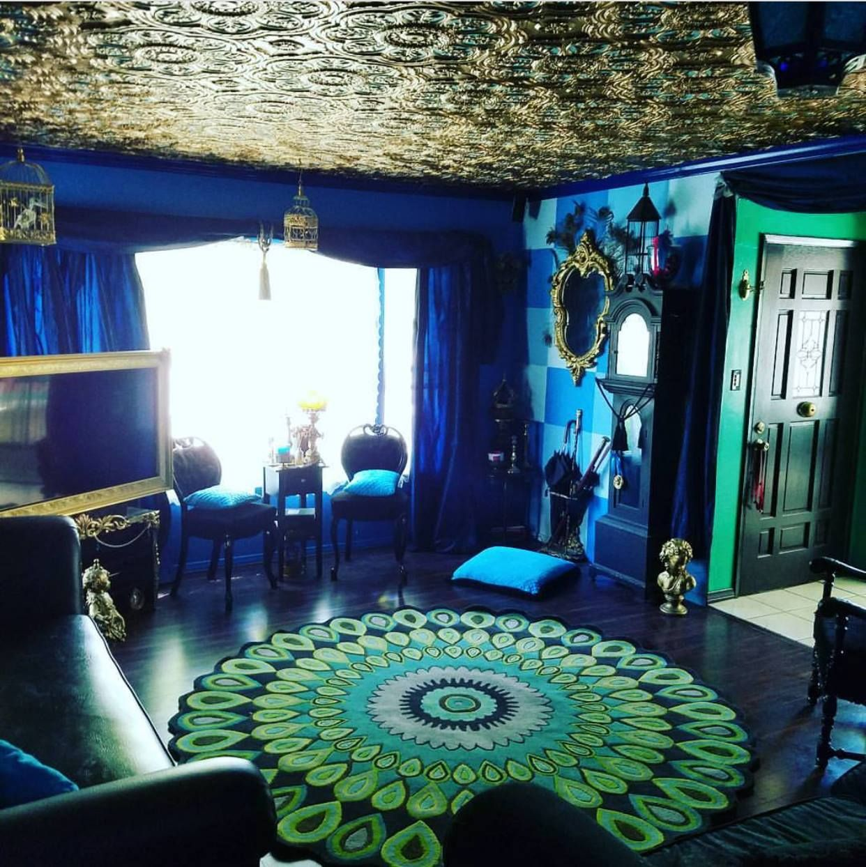 10+ Top Peacock Color Living Room Ideas