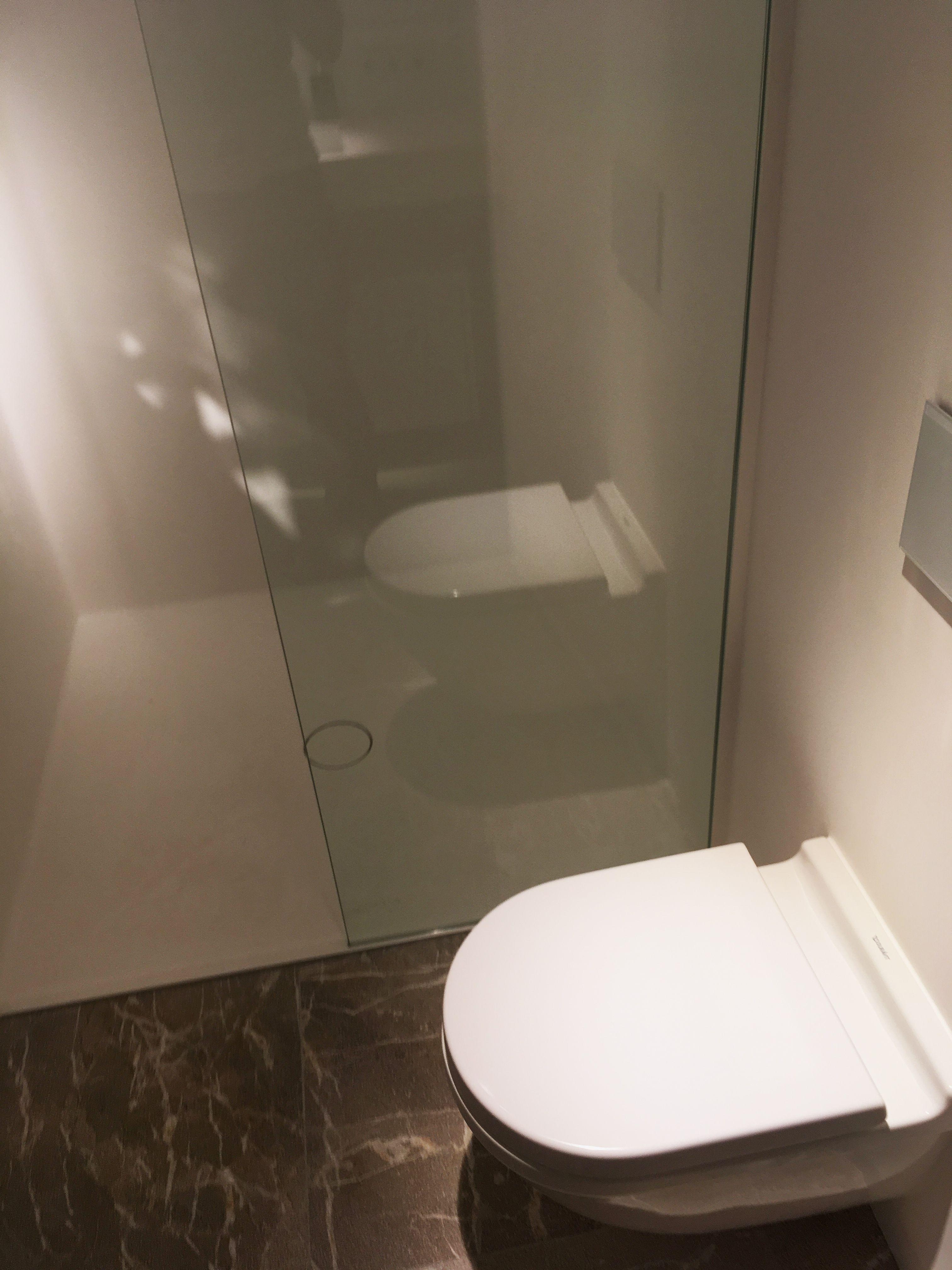 Dusche aus Varicor Duschtasse, Wände und Decke