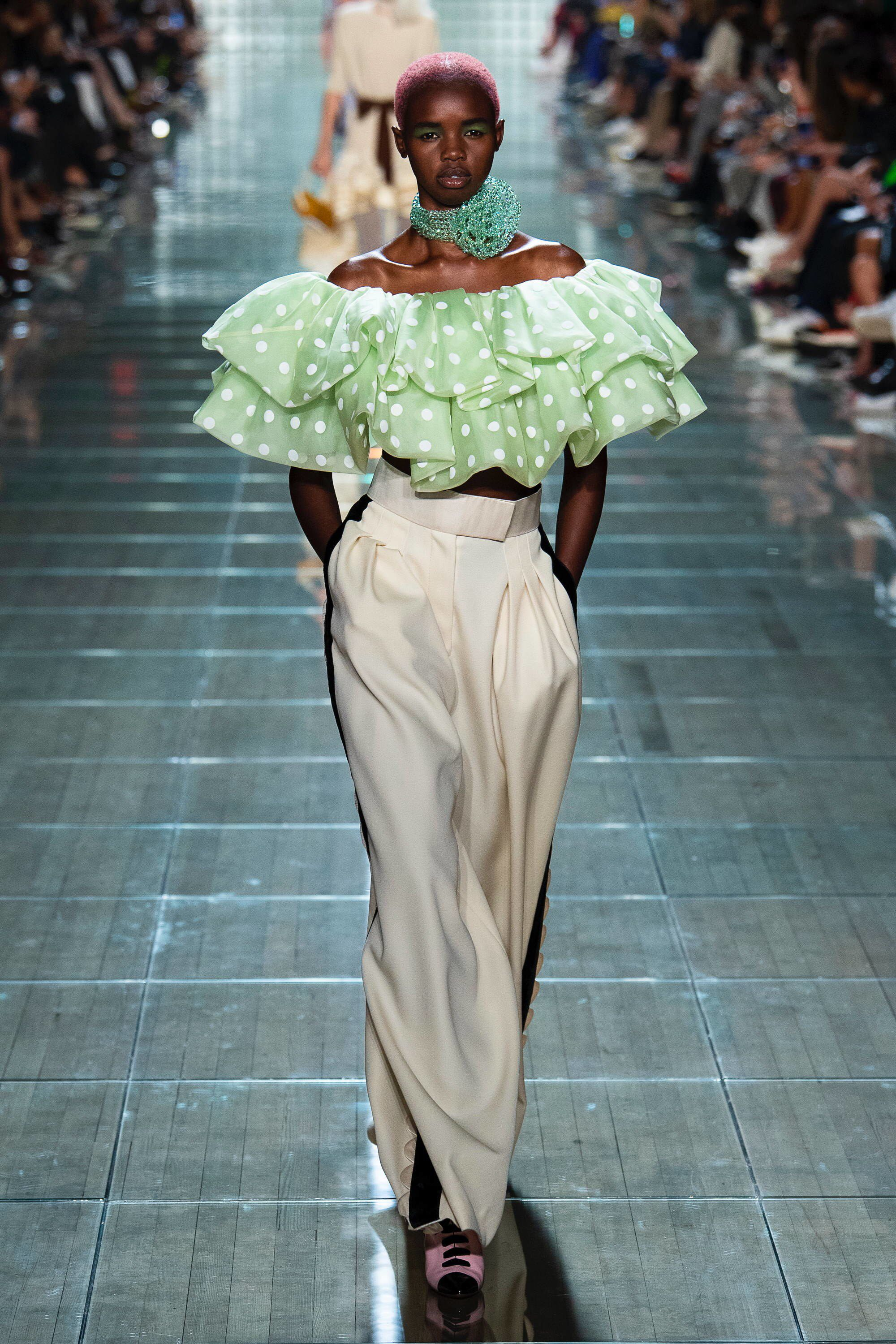 fed5537bc7c7 Marc Jacobs Spring 2019 Ready-to-Wear Fashion Show Collection  See the  complete Marc Jacobs Spring 2019 Ready-to-Wear collection. Look 36