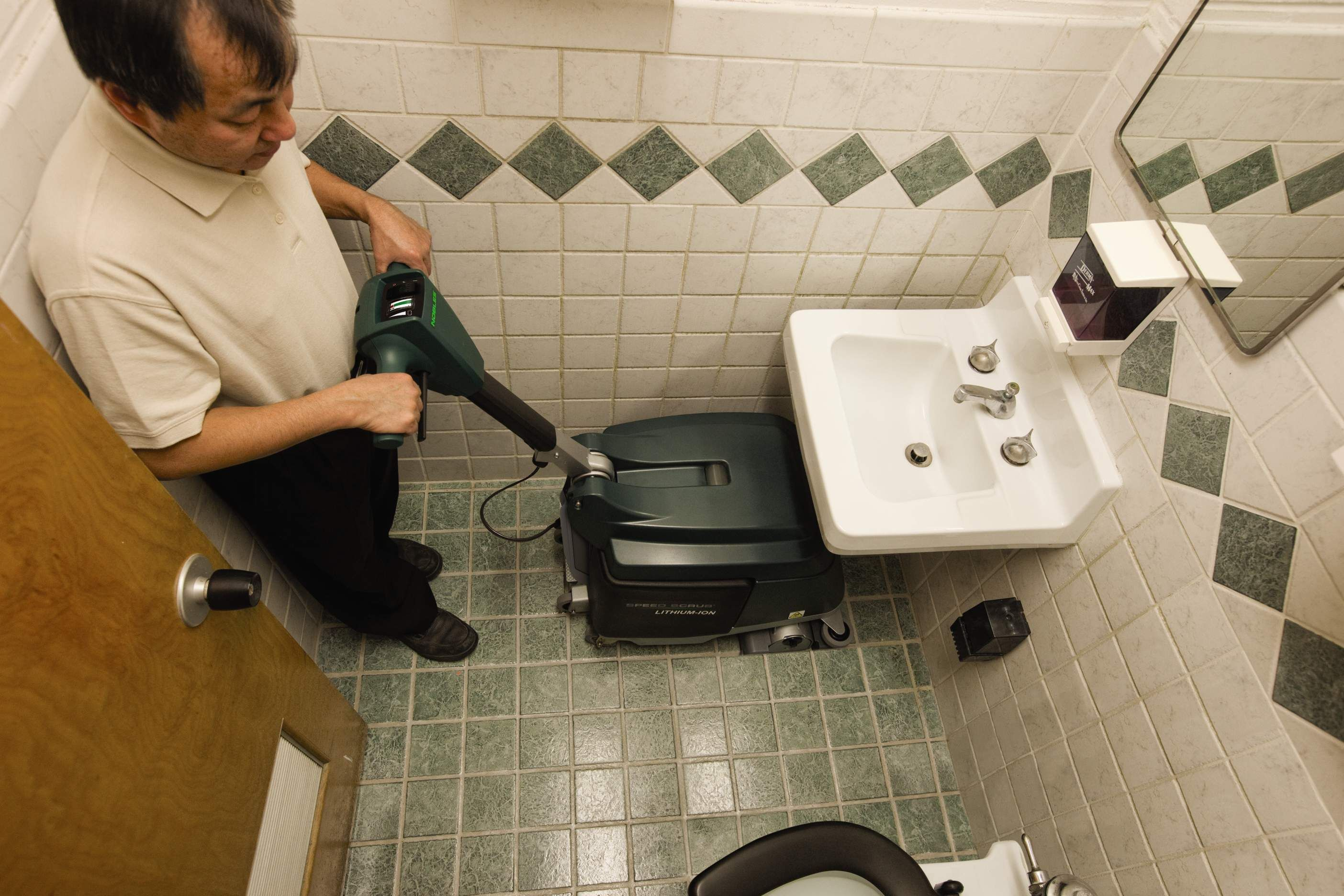 Tile floor polisher machine battery google search library tile floor polisher machine battery google search dailygadgetfo Image collections