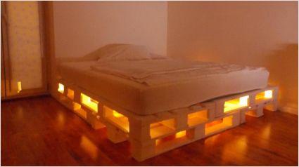 Letto pallet idea illuminazione letto pallet beds