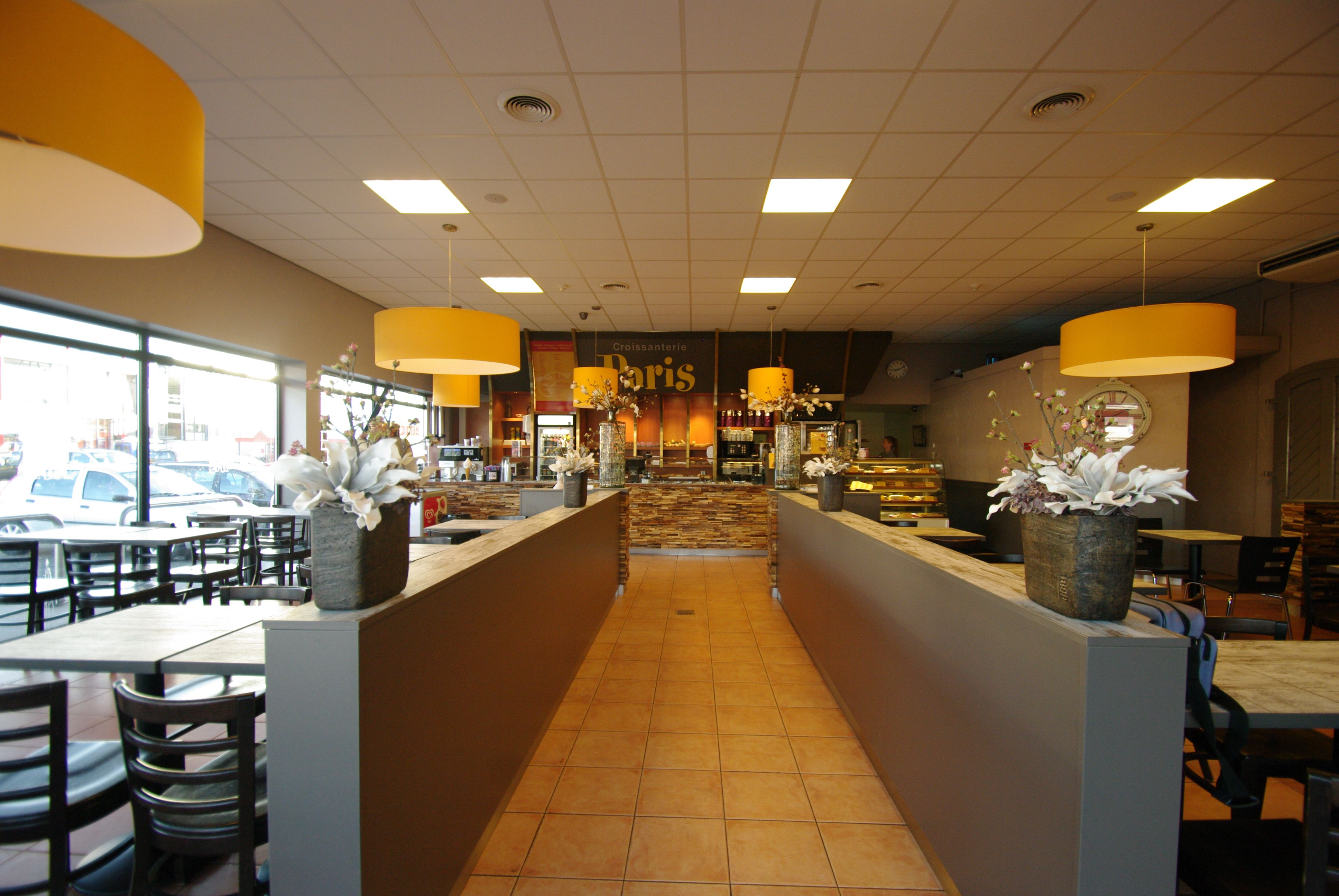 Croissanterie Paris te Leeuwarden ontworpen en ingericht door ...