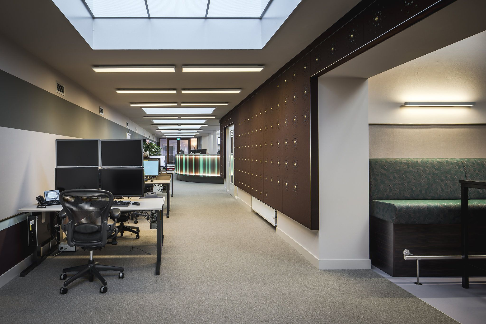 Derksdenboer interior architecture office for euronext amsterdam