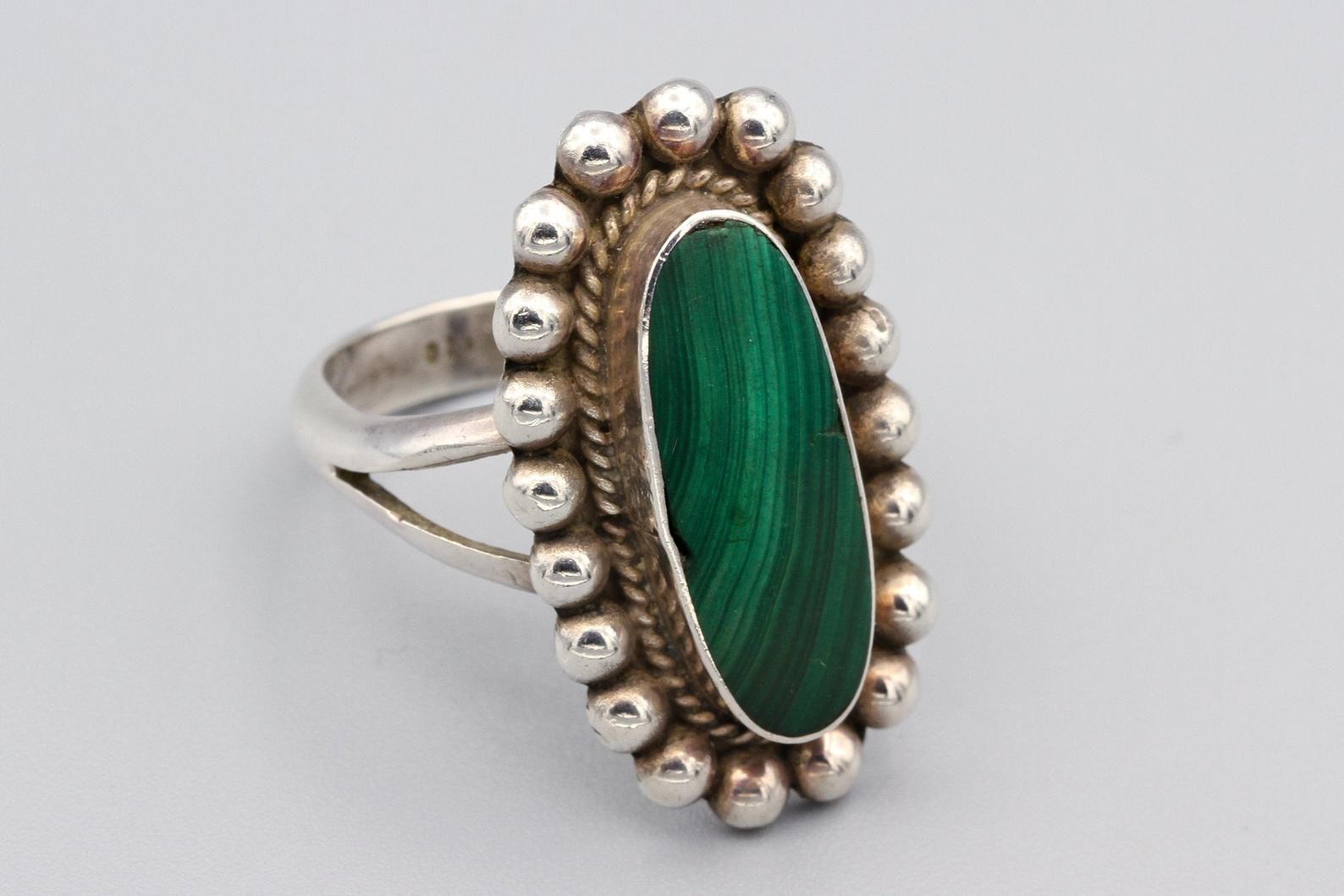 Silver ring with ball of minerals Ag 925
