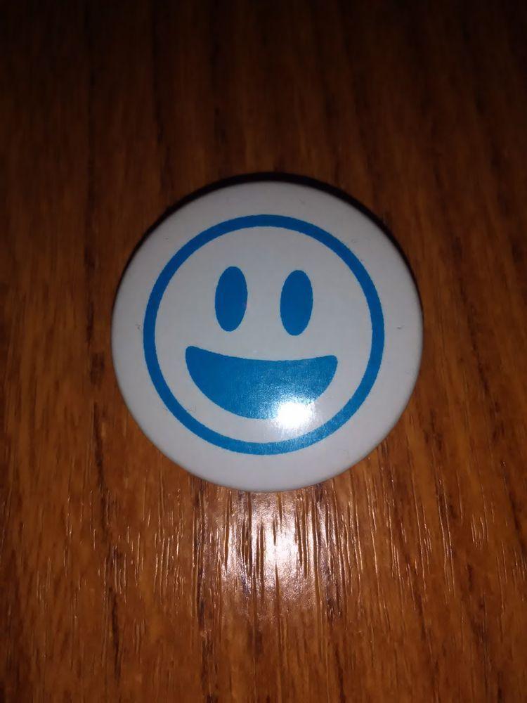 Universal Children S Day Batch Blue World Pin Pinback Smile Smiley