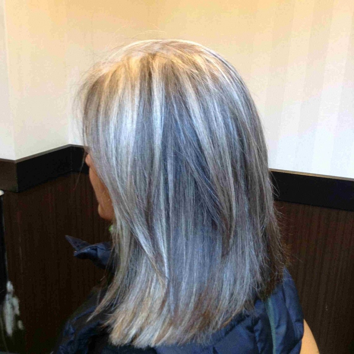 Adding Cool Tones To Make Transition Easier Hair Styles Gray Hair Highlights Transition To Gray Hair