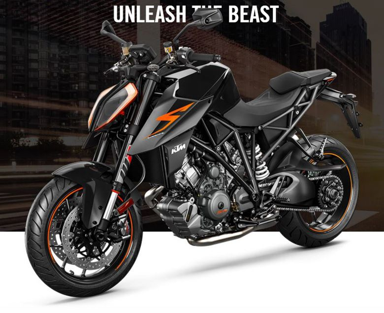 2017 KTM 1290 Super Duke R Powerful Naked Bike Review