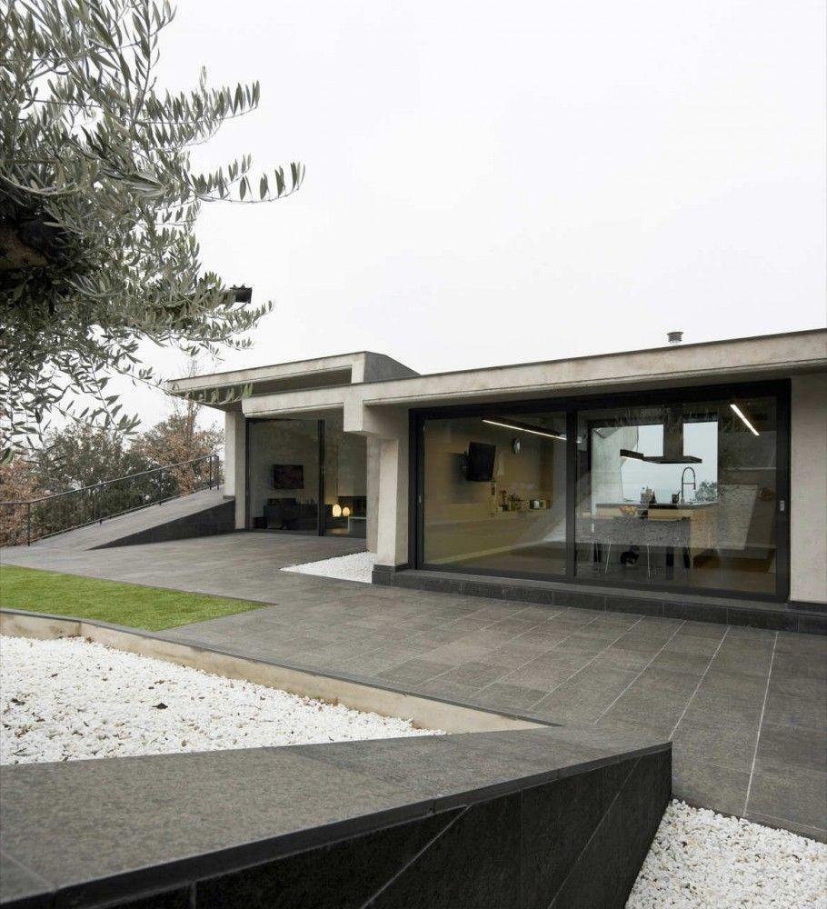 Single House In Bescano Josep Ferrando Bramona Architecture Modern Architecture Concrete House