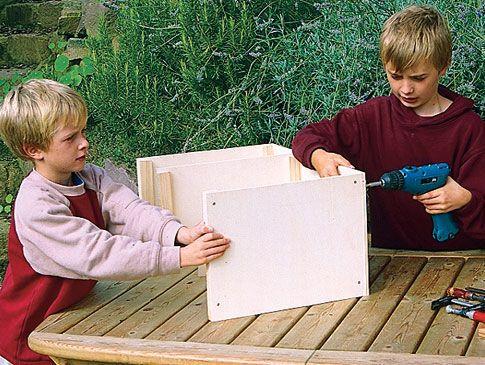 igelhaus bauen anleitungen pinterest igelhaus igelhaus selber bauen und selber bauen. Black Bedroom Furniture Sets. Home Design Ideas