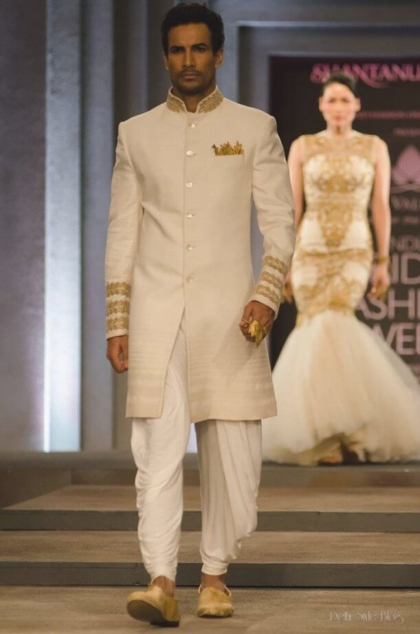 Best 30 White And Gold Indian Wedding Dresses   Wedding dress, Gold ...