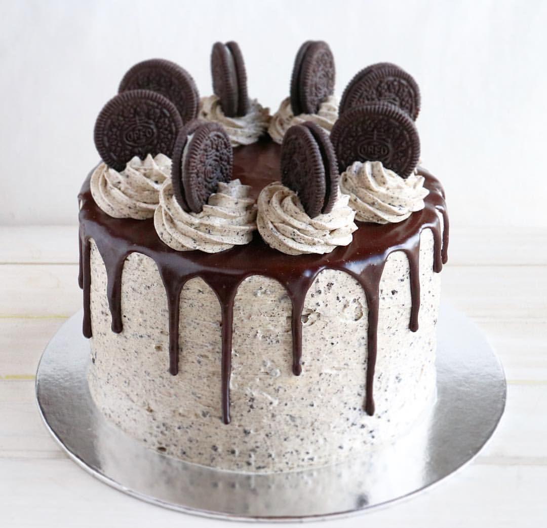Cookies Cream Drip Cake Two Layers Of Chocolate Cake Creamy