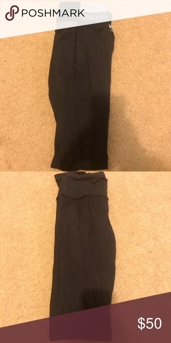 8385cdd9f10bbc Black reversible lululemon leggings size 2 Black with pattern waist band  reversible lululemon leggings size 2 lululemon athletica Pants Leggings