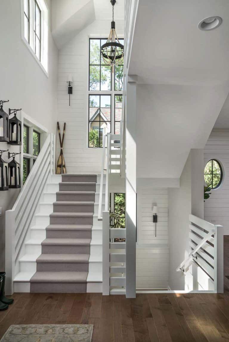Gorgeous modern farmhouse style home in Illinois delights the senses #modernfarmhousestyle