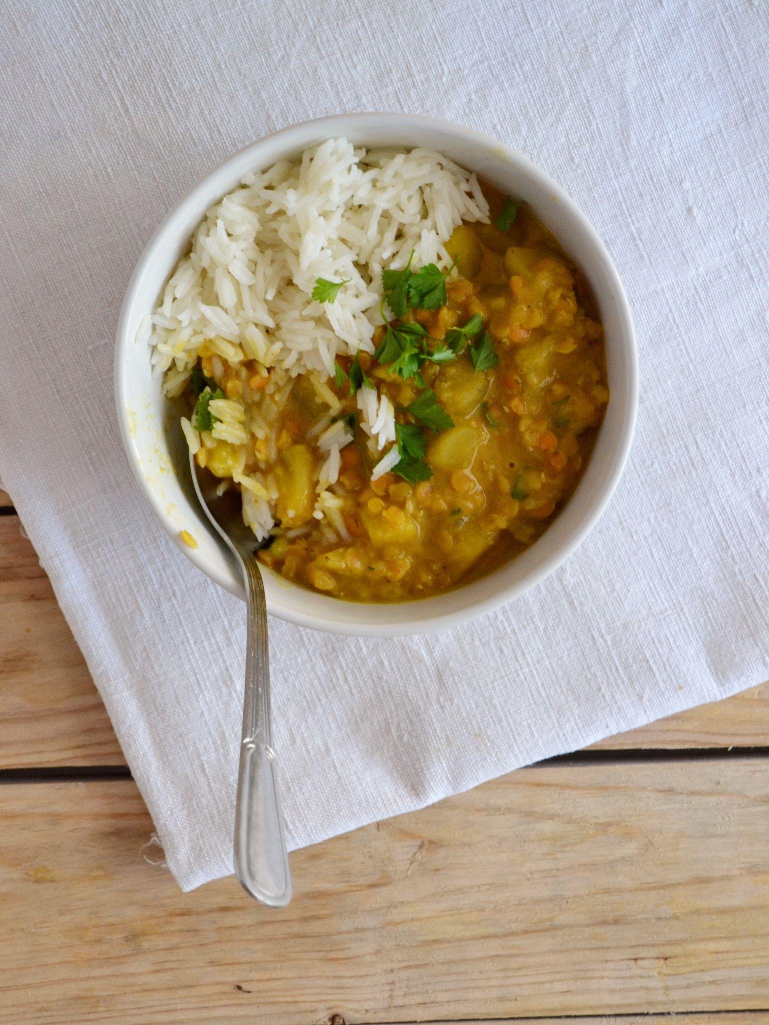 Caril de lentilhas e batata-doce com leite de coco - Compassionate Cuisine