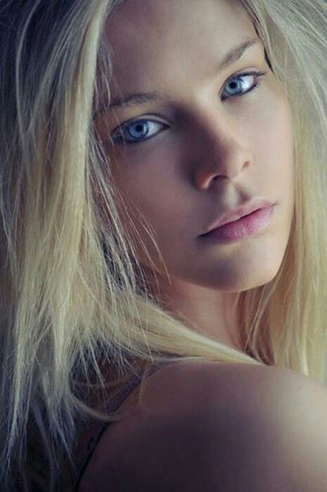 most beautiful blonde teen