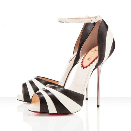 CHRISTIAN LOUBOUTIN Tacones outlet