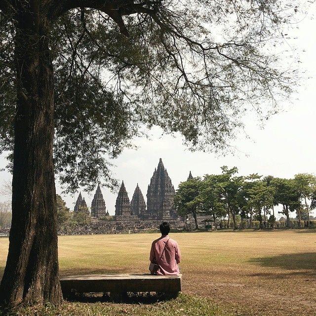 Candi Prambanan, Yogyakarta. Photo by @willyjuliantoo #livefolkindonesia #liveauthentic #exploreindonesia