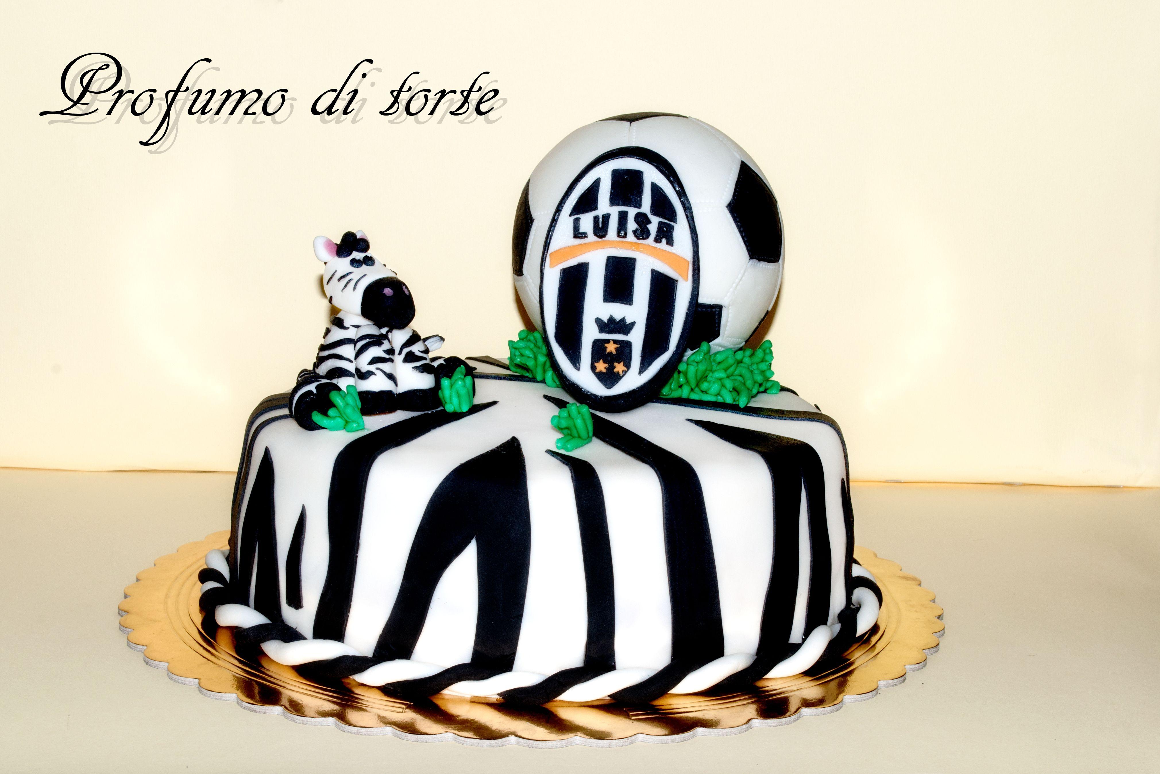 Juventus torta in pasta di zucchero pan di spugna for Decorazioni juventus per torte