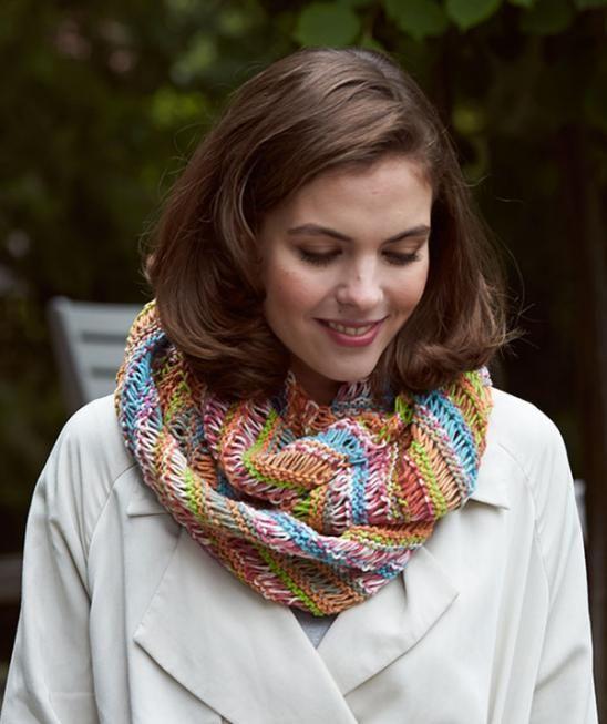 Bravo Color Infinity Scarf - Free Pattern | Knit scarf patterns ...