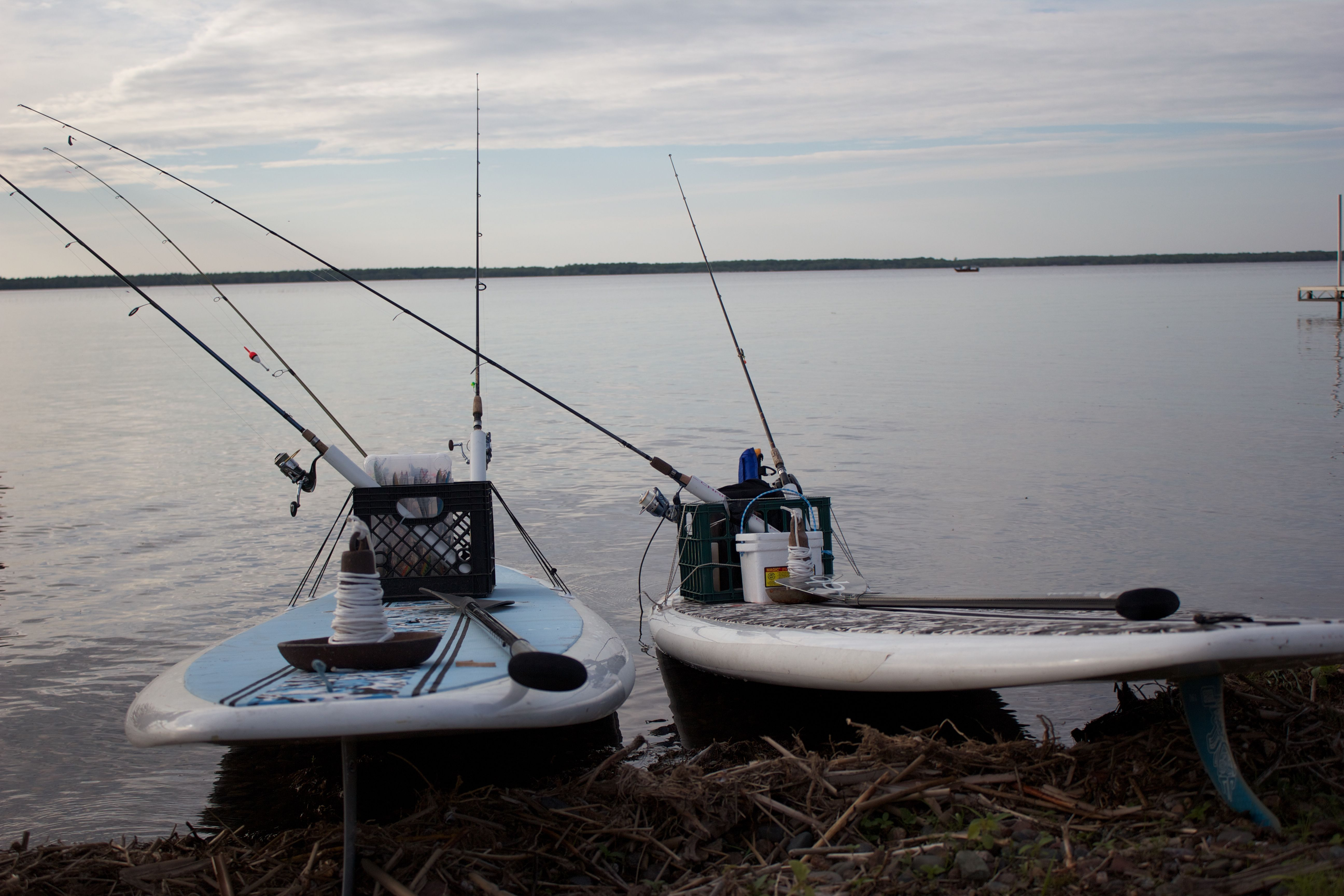 How to rig a paddle board for fishing we use milk crates