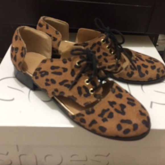 Leopard flats Cute and stylish leopard flats Forever 21 Shoes Flats & Loafers