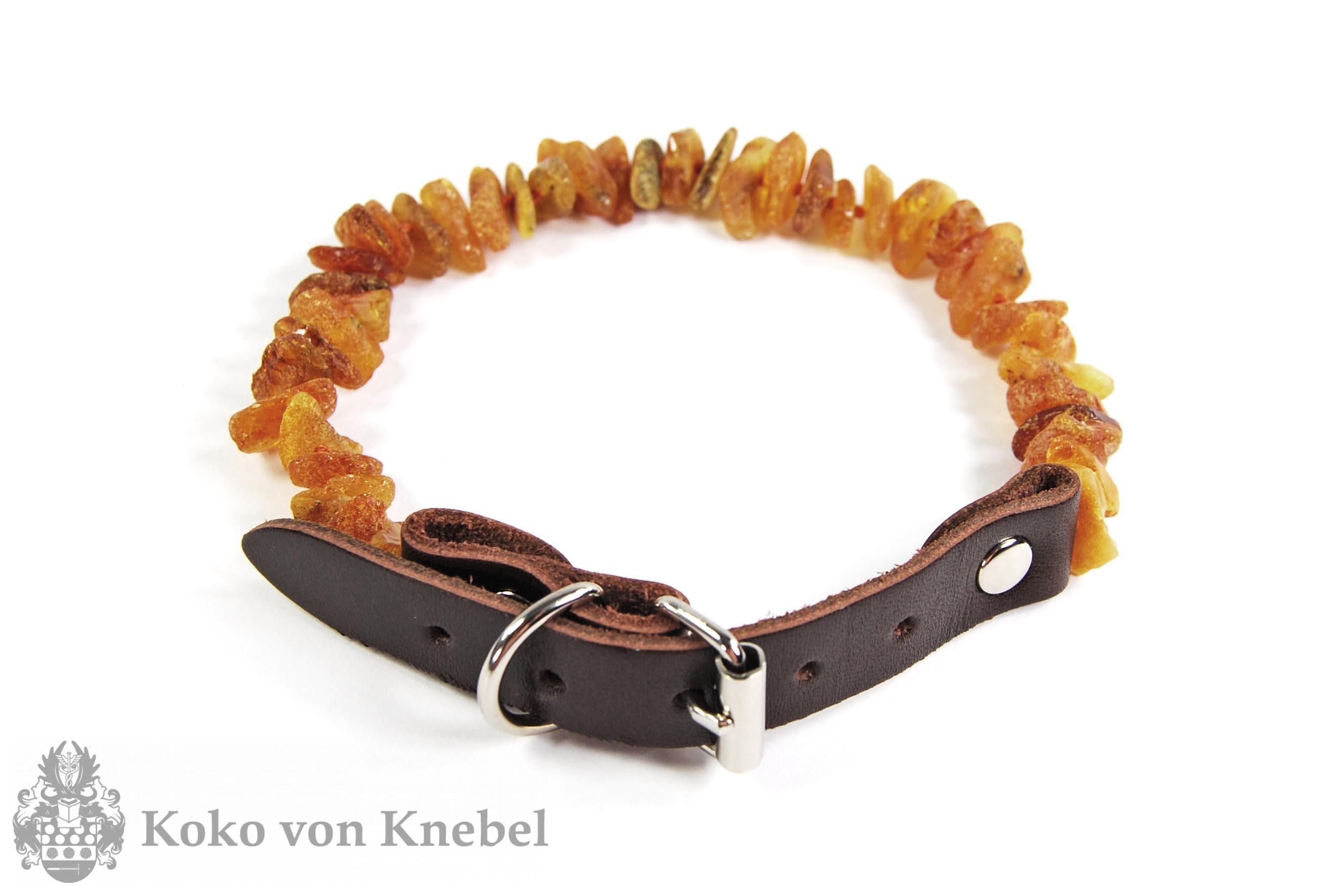 Chic amber collar, the natural shock against ticks, can be ordered directly online on our website at kokovonknebel.com