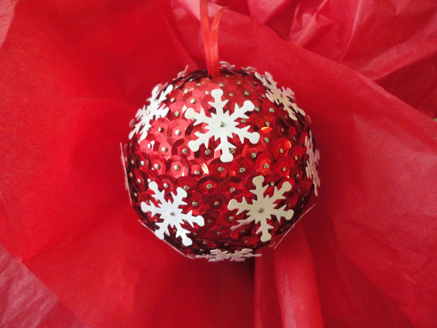 Red And White Snowfalke Sequin Christmas Ornament