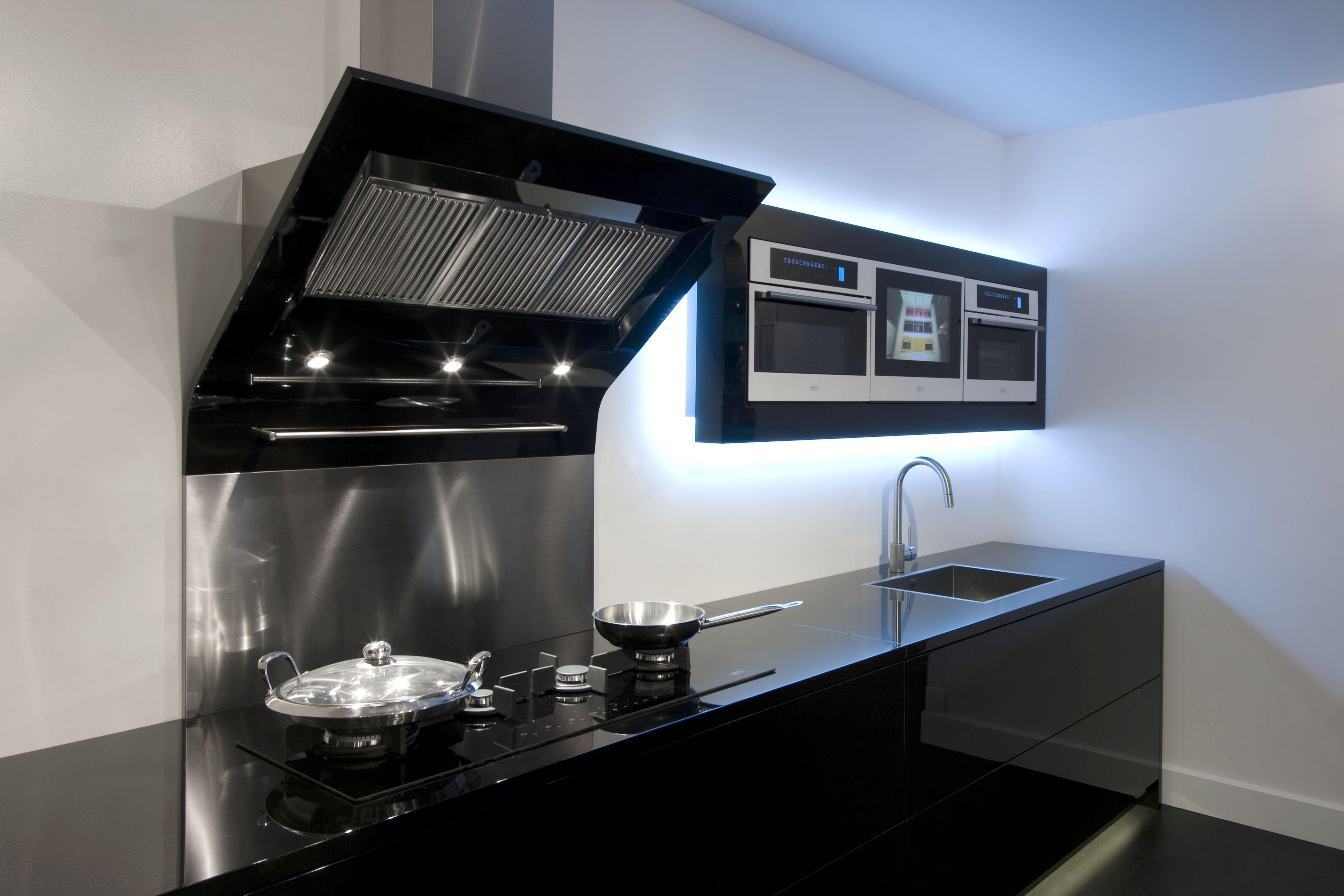 Een schuine afzuigkap geeft uw keuken niet alleen een modern