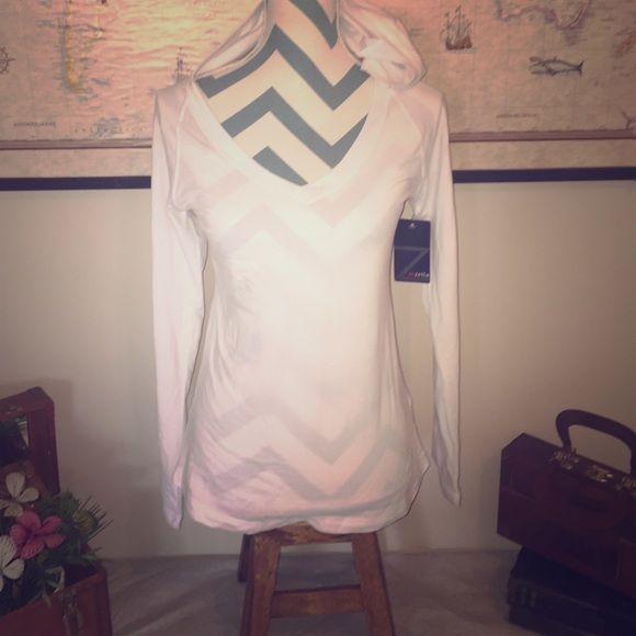 Zella Top Upper cute and brand new!! Zella Tops Sweatshirts & Hoodies