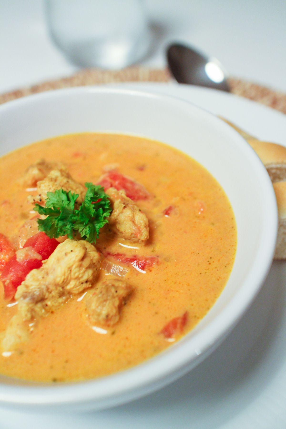 Kjuklingasupa Med Tomotum Karry Og Epli Soup Dish Savoury Food Cooking Recipes