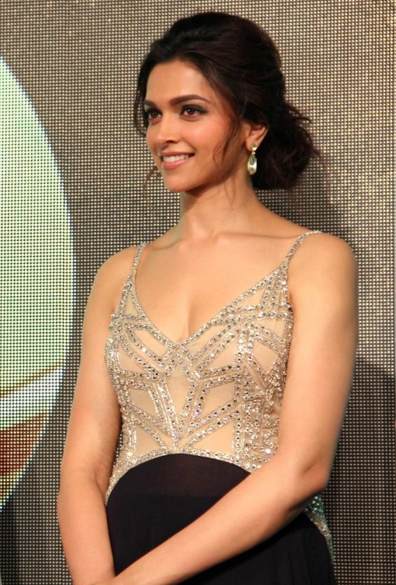 Love Deepika Padukone Hairstyles Then Check This Blog Fashion And