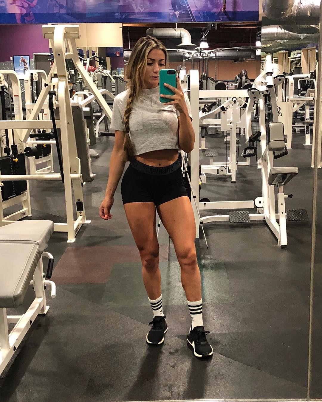 Black Grey White Always Look Sleek Legs Day Fitness Inspo Outfits