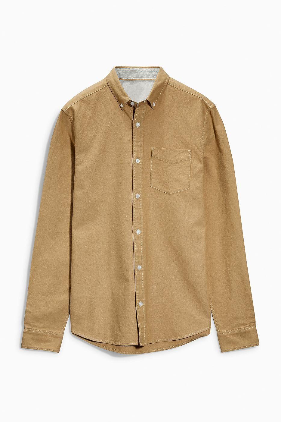 3629ff62cf6181 Langärmeliges Oxford-Hemd 100 % Baumwolle. Klassisches Hemd aus elegantem  Oxford-Gewebe mit Button-Down-Kragen und Kontrastdetails.