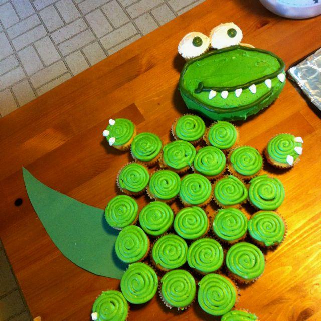 Dinosaur Birthday Cake Wilton: Dino Cake. Teeth And Claws R Mini Marshmallows. Eyes R