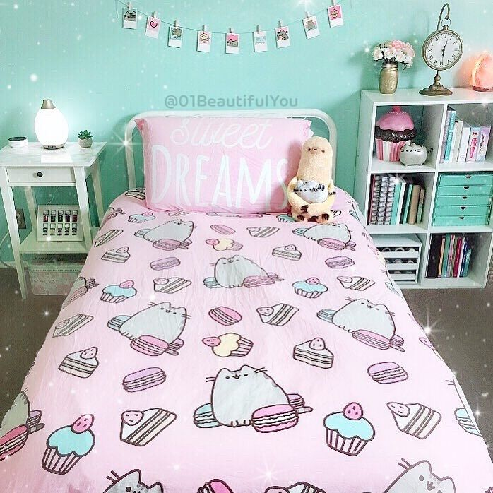 """Pusheen on Instagram """"Seriously sweet bedroom goals from"""