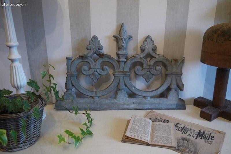 ancien faitage en zinc brocante de charme atelier brocante de charme pinterest. Black Bedroom Furniture Sets. Home Design Ideas