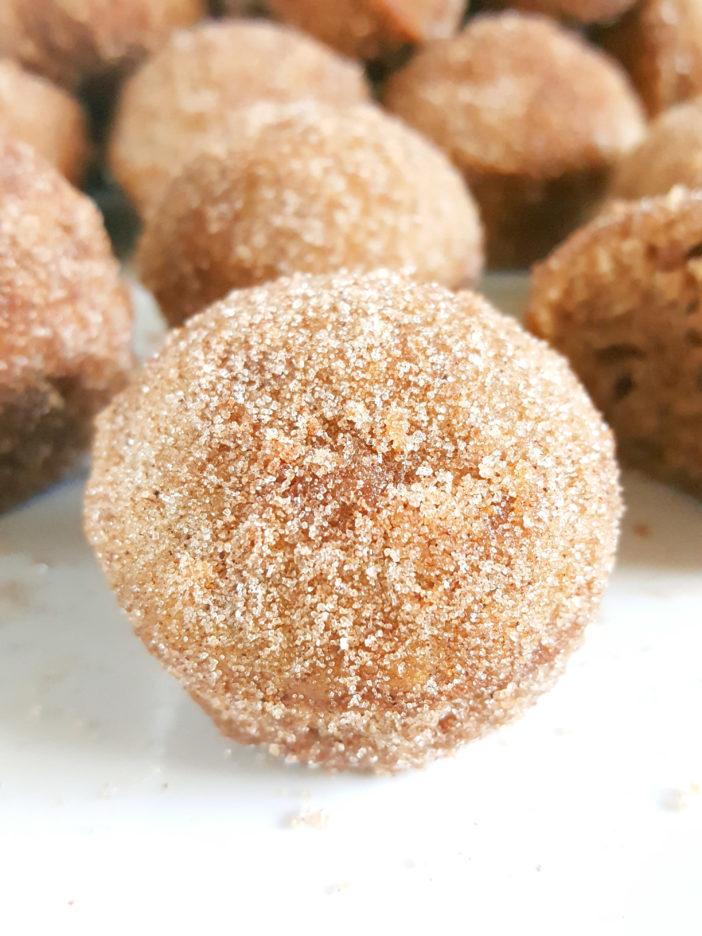 Mini Cinnamon Sugar Sour Cream Donut Muffins Beat Bake Eat In 2020 Sour Cream Donut Pumpkin Spice Donut Holes Donut Muffins