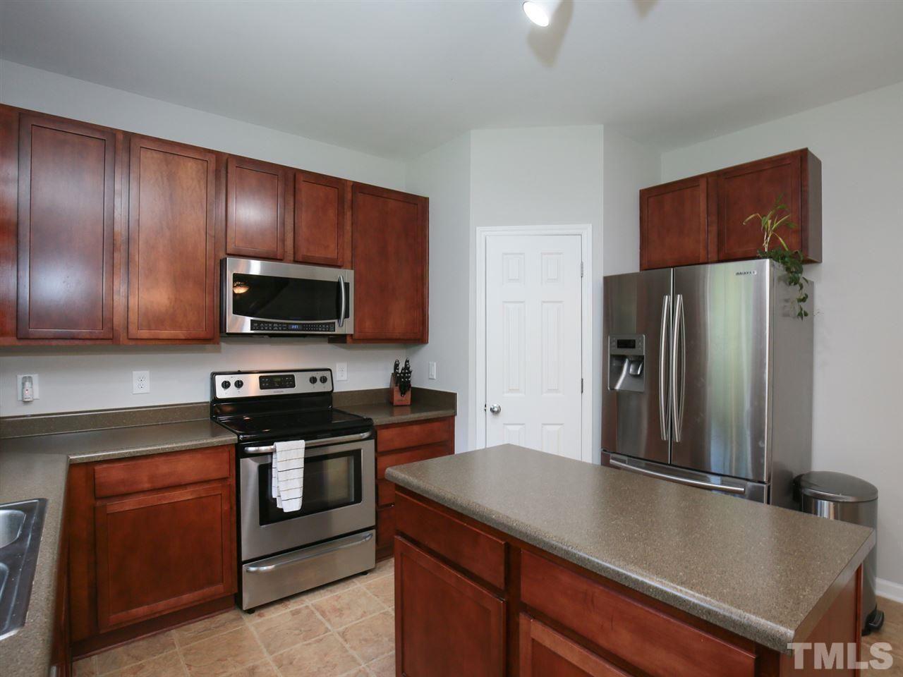 702 Woodside Park Ln Durham Nc 27704 Woodside Kitchen Cabinets Home