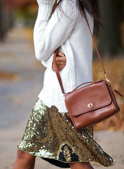 Looks de fiesta Jersey blanco + falda con lentejuelas doradas 8faf81550bf0