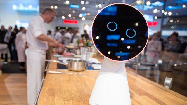 IFA 2016: Bosch und Siemens bringen lächelnden Küchen-Assistenten - http://ift.tt/2chwv8l