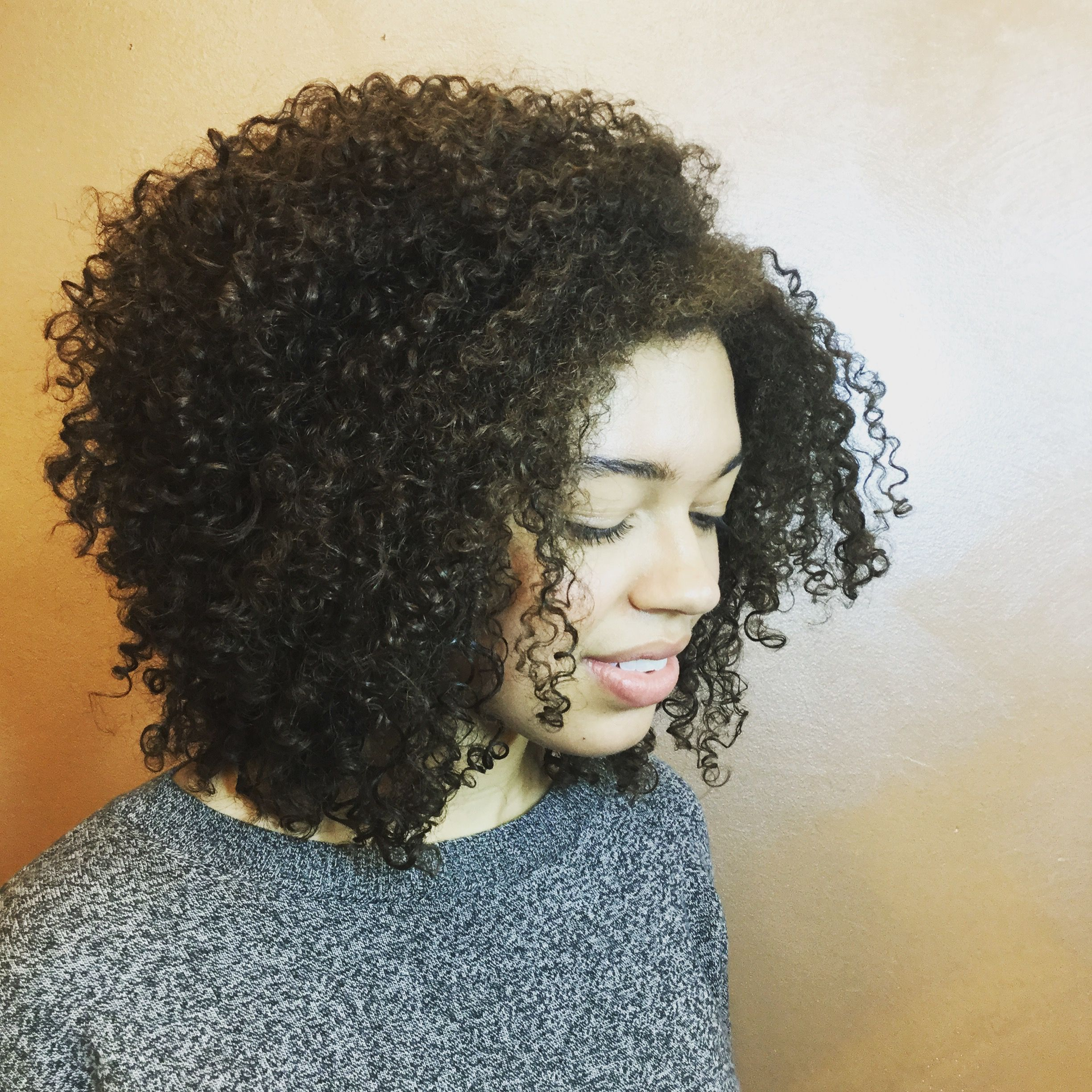Super Curly Haircut With Waterfall Layers By Whitneycoburn Devacurl Devacurlstylist Supercurly Cabelo Cabelo Cacheado Tratamentos De Cabelo