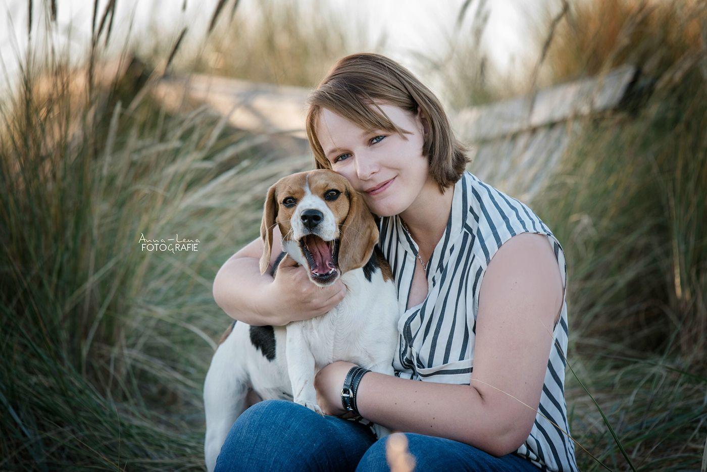 Mensch Und Tier Mensch Und Tierfotografie Fellfreundschaften Tierische Freunde Verbindung Mit Hund Hunde Beagle In 2020 Hund Beagle Beagle Tierfotografie